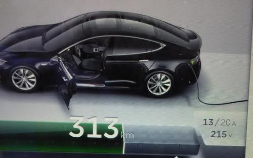 Charging a Tesla Model S 85P